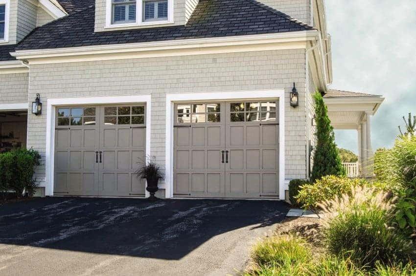 O Rd Carriage House 307 Gray 3 Overhead Door Company